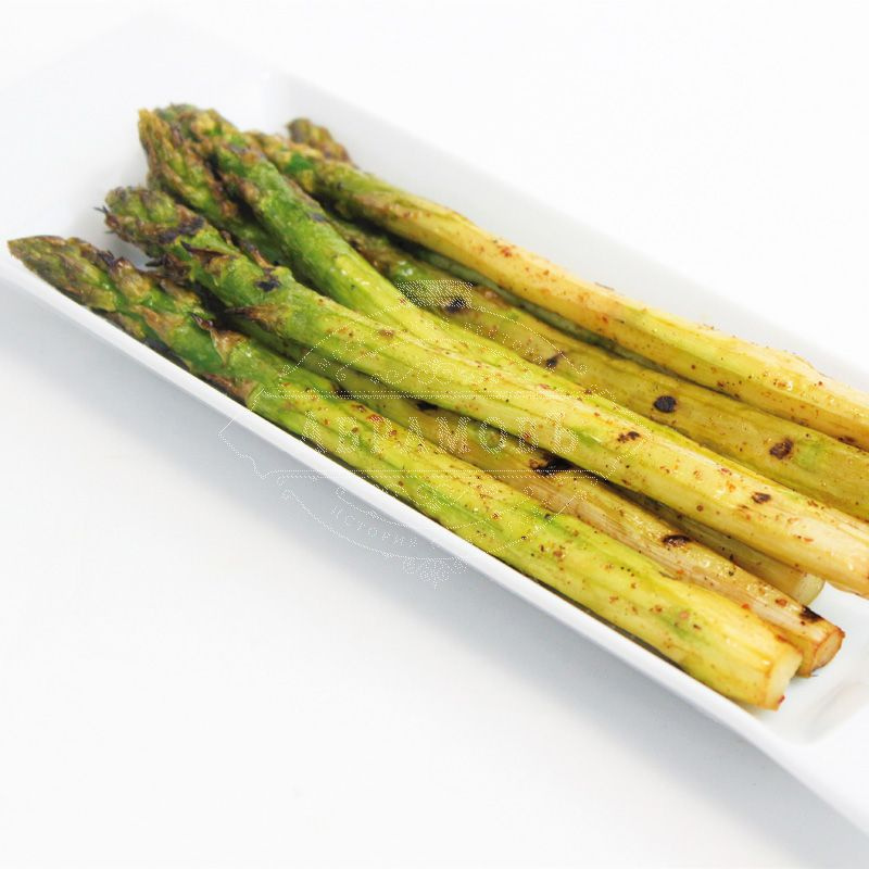 Charcoal-grilled asparagus
