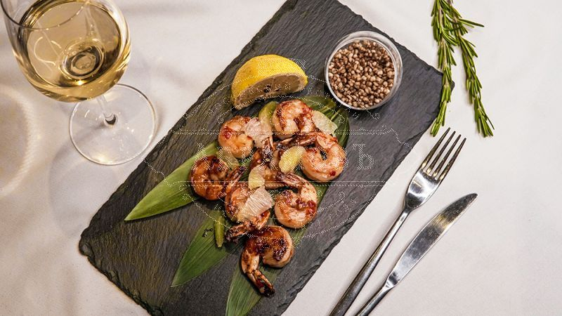 Tiger Shrimps roasted in sweet-and-spicy sauce