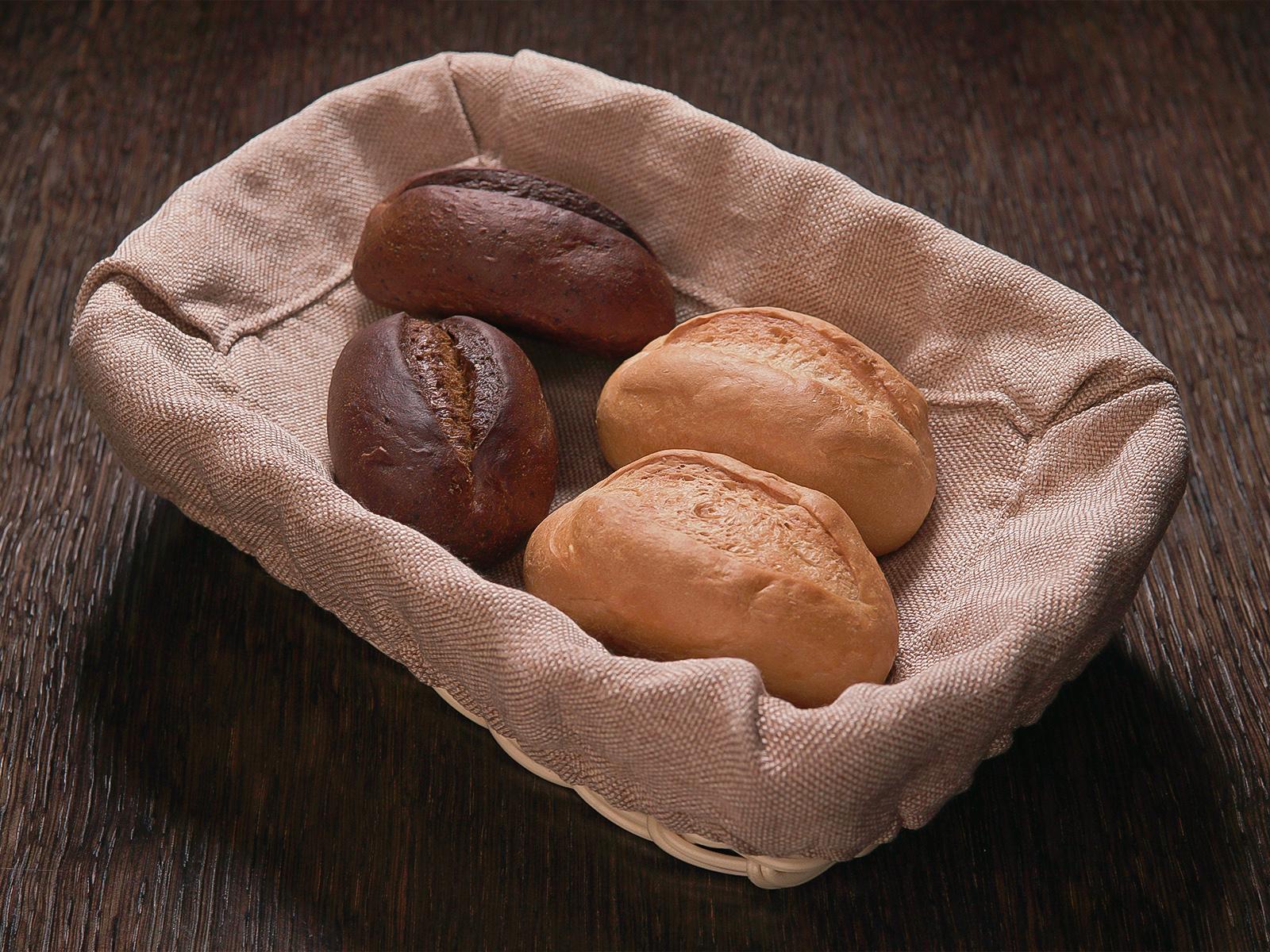 Light bread roll